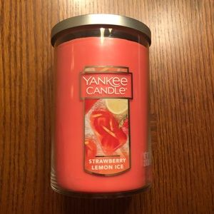 Accessories - *NEW* Strawberry Lemon Ice 2-Wick Yankee Candle